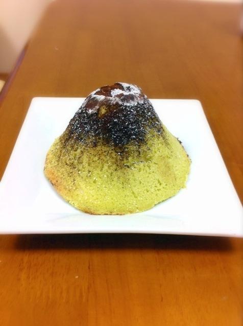 五合目名物!あまの屋「富士山めろんぱん」のサクふわ食感にファン急増中♪