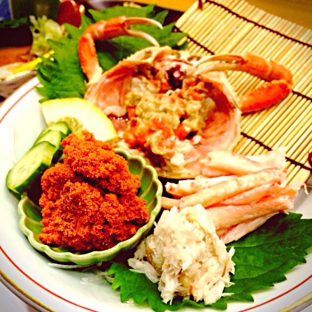 まるで赤い宝石箱。「香箱蟹」の魅力や旬、おすすめの食べ方って?