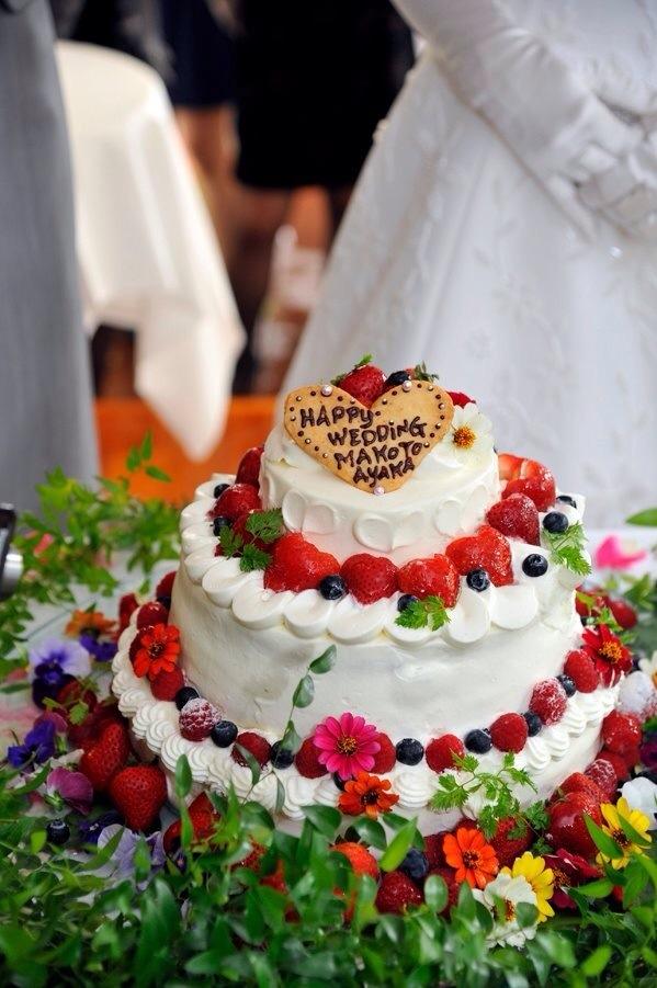 一生の思い出に♪ 最新トレンドのウェディングケーキアイデア15選の画像