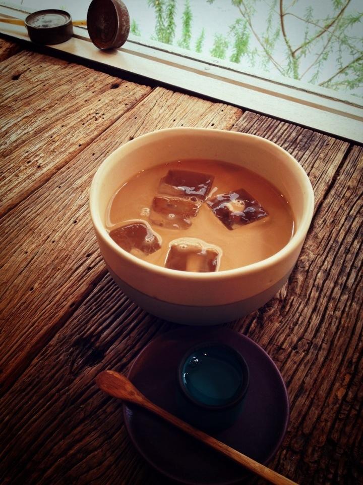 吉祥寺で隠れ家的な和みのカフェ「6」選