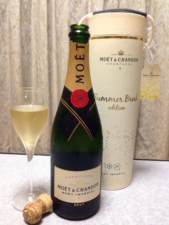 シャンパンの代名詞「モエ」の魅力とは!豆知識やスマートな作法も
