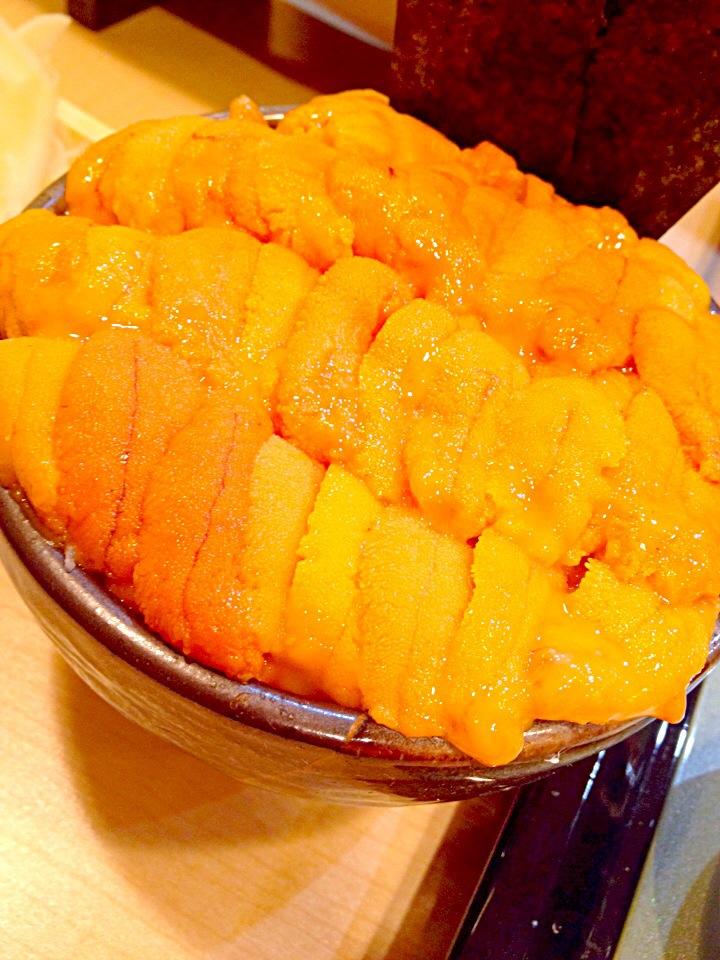 【築地】鮨國の「元祖こぼれウニ丼」を贅沢に搔っ食らいたい!
