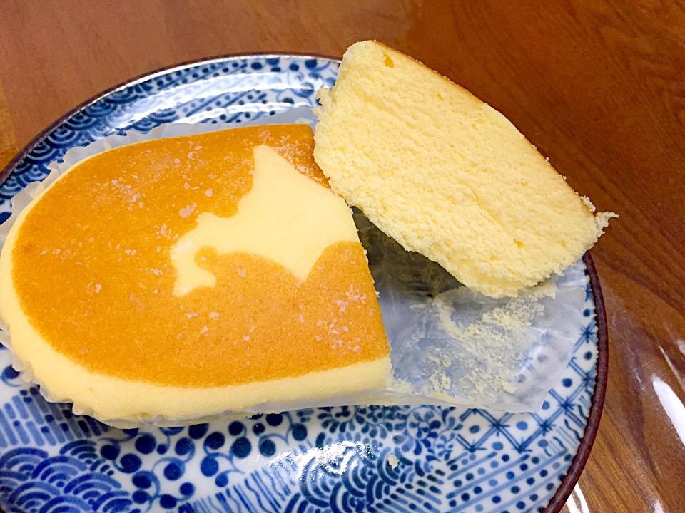 悪魔級のおいしさ♪「北海道チーズ蒸しケーキ」を何倍も楽しむ食べ方はコレ