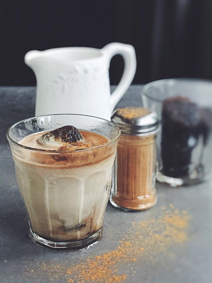 溶けても濃厚な「氷コーヒー」!おやつのお供にぴったりですよ♩の画像