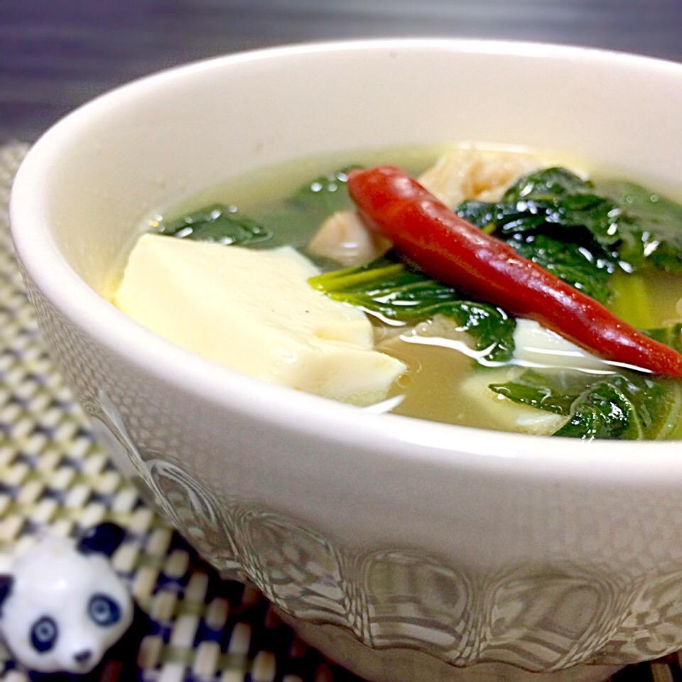 お浸しだけではもったいない!小松菜の絶品スープレシピ12選