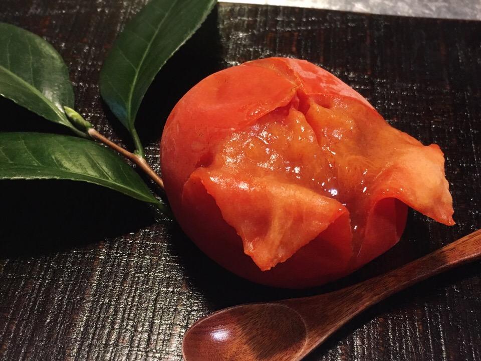 旬の柿を冷凍するだけ!ツイッターで人気の「冷凍柿」が美味しすぎると話題の画像