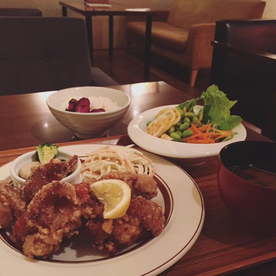 500円以下で食べ放題!名古屋「外堀パンチ」のモーニングが豪華すぎる!