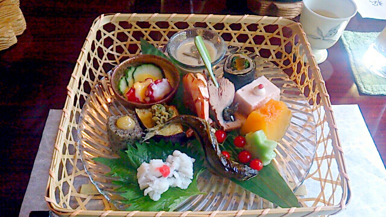 季節を楽しめる「八寸」で懐石料理とお酒をもっと楽しもう!の画像