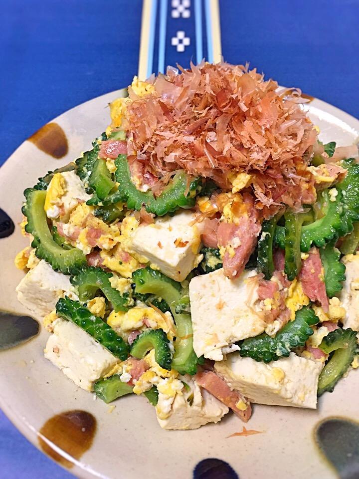 木綿豆腐となにが違う?沖縄名物「島豆腐」について詳しく知りたい!