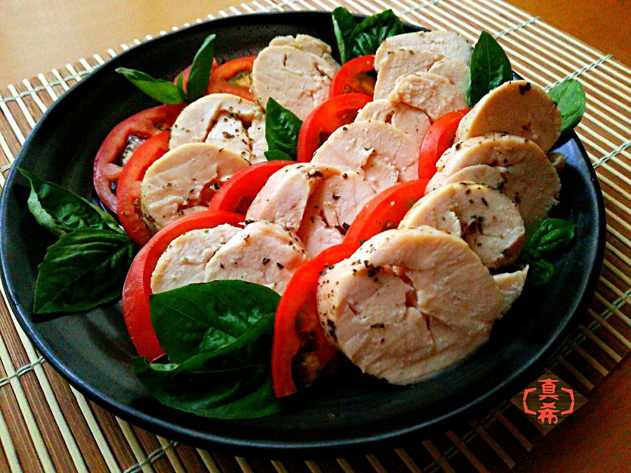 誰でも簡単に作れる!鶏ハムのレシピ&おもてなし風アレンジ術10選