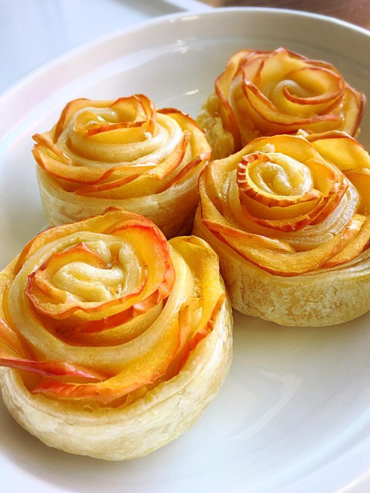 「バラのアップルパイ」の基本&アレンジレシピ。優雅なスイーツタイムを♪