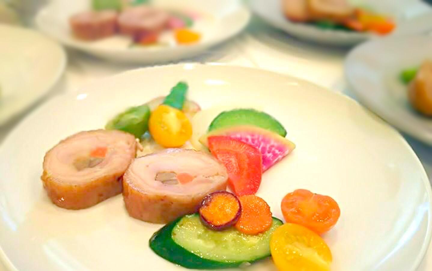 フランス料理の「バロティーヌ」って何?ガランティーヌとの違いも解説の画像