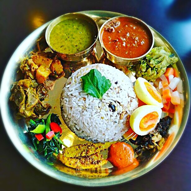 ネパールの定食「ダルバート」って何? 特徴や食材、都内のおすすめ5店の画像