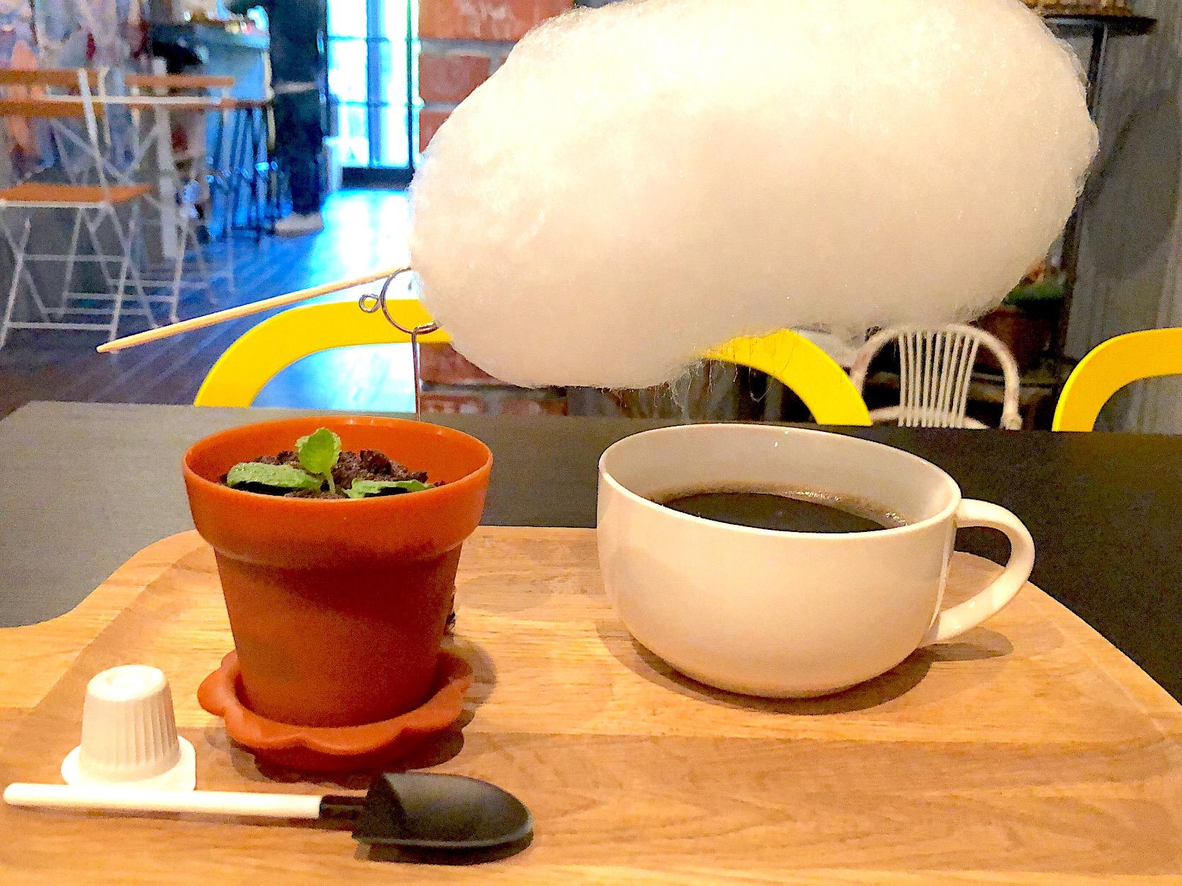 降水確率100%!? カップに雨が降り注ぐ「雲下コーヒー」が京都で話題!