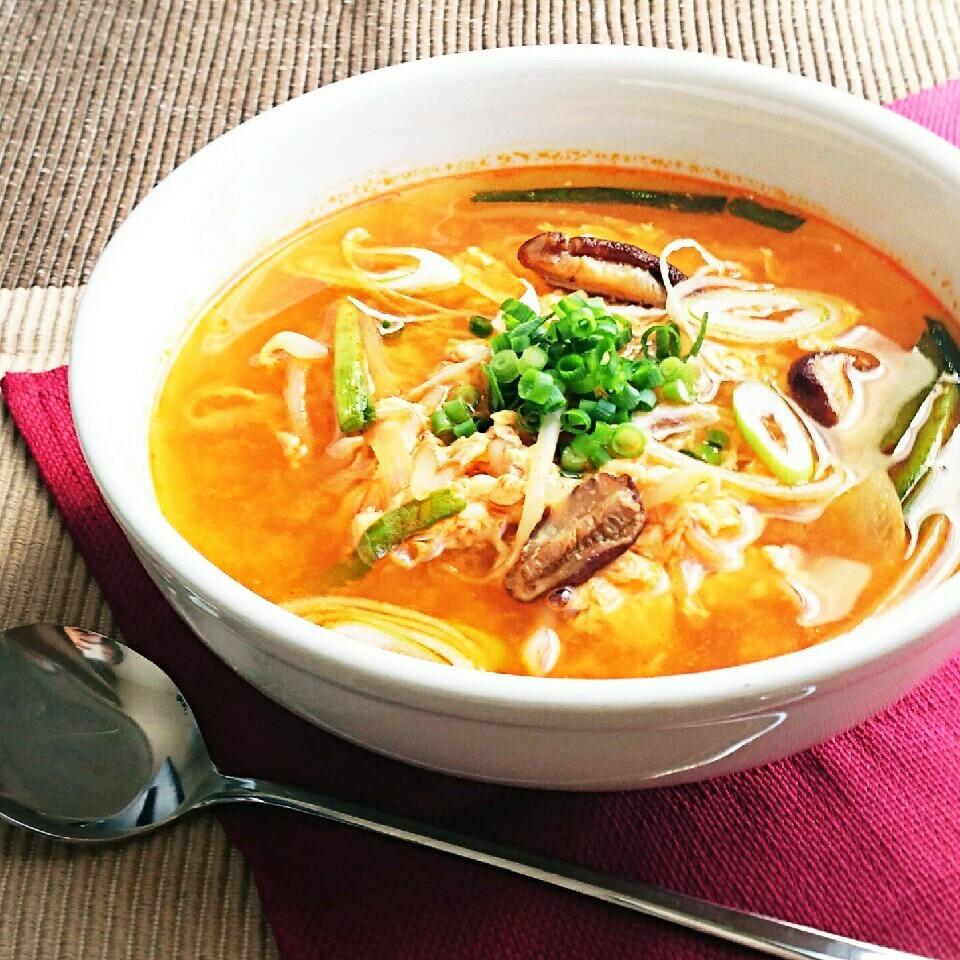 誰でも簡単!本格「ユッケジャンスープ」の基本レシピ&人気アレンジ