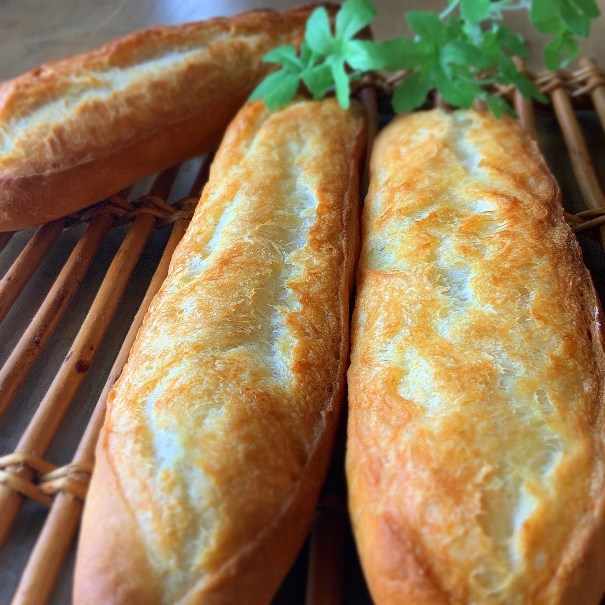 フランスパンとバゲットって何が違うの? 種類と一緒に解説!の画像
