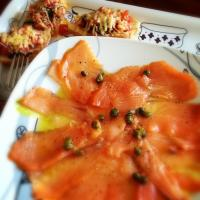 salmon with capers and tomatoe bruschetta