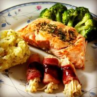 Salmon steak with broccoli, mashed potatoes n enoki mushrooms wrapped in bacon 😜