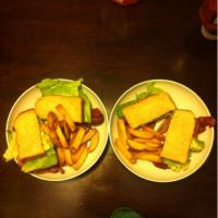 BLT w/homemade french fries