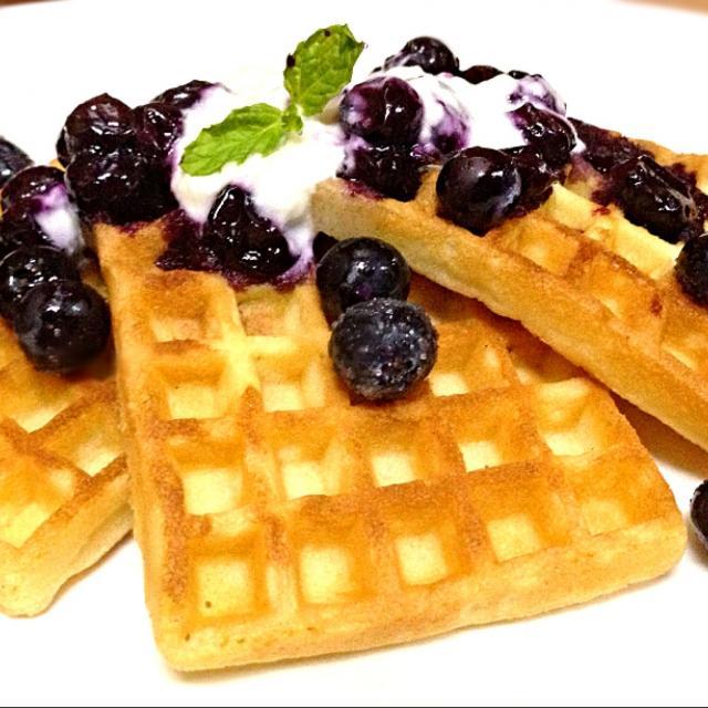 Blueberry Yogurt Waffle/Missty | SnapDish[スナップディッシュ] (ID ...