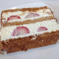 Layered pastry with strawberry cream