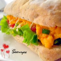 I ❤️ Cooking | Eggcellent Lunch ~ Scrambled eggs focaccia sandwich. 🍞🍳🍅