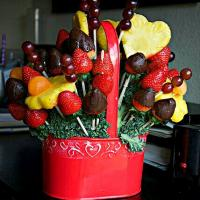 Happy Happy😊❤😊 ❤ 😊 My Sister Sent Me An Edible Arrangement #Fruit Basket from Houston Texas ❤😊❤ I Love My FAMILY 😘 😘 To My Sister #Lifestyle #Snack/Teatime 😋 💯