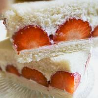 Strawberry fruit sandwich
