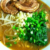 Spinach and Corn Miso Ramen #ramen #soup #sanfrancisco #Japanese cuisine #japanesefood #yummy #Noodles