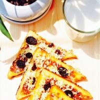 French Toast With Cheese and Raisin