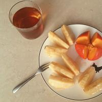 Afternoon  tea, apple, persimmon.
