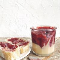 Strawberry jam and condensed milk
