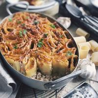 Baked paccheri with meat sauce