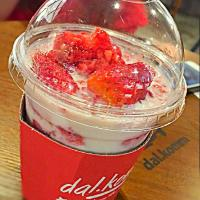 cold drink... #strawberry #strawberries #korean #dalkomm