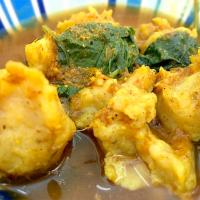 Red curry with clown featherback fishball