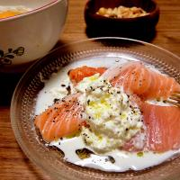 2018/04/09 #dinner Salmon sashimi with burrata cheese, Cold noodles with egg