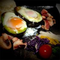 OMさんの料理 Fried egg in avocado  Octopus garlic stir-fried