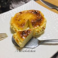 Baked cheese cake for dessert