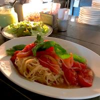 【WEEKLY PASTA LUNCH】完熟トマトの冷製カッペリーニ