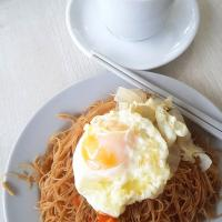 All time favourite breakfast:  Beehoon egg and nice kopi c 😍😋😘