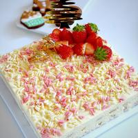 Strawberries and cream tiramisu