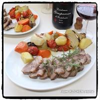 Roast pork🐷with sparkling wine🍷