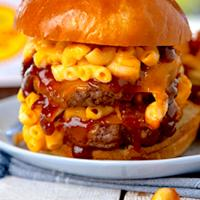 Mac and cheese beef buger