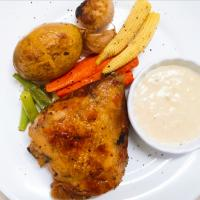 Roasted Chicken and vegetables with Béchamel sauce.