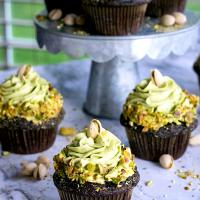 Dark chocolate pistachio cupcakes