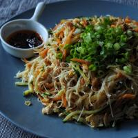 Vegetarian fried rice noodles