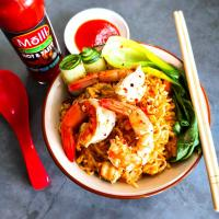 Instant Tom yam noodles with prawns