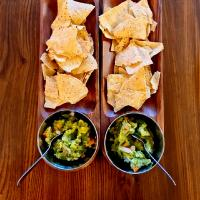 guacamole-chunky salsa-with original corn chips