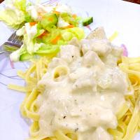 Creamy chicken Alfredo and a salad