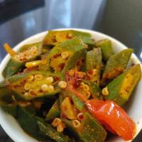 Okra curry tempered in hot chilli flakes